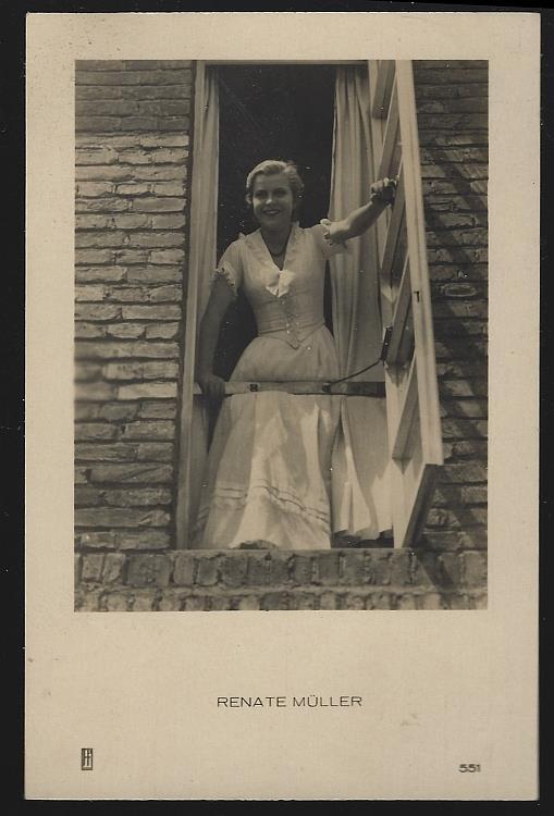 POSTCARD OF ACTRESS AND SINGER RENATE MULLER, Postcard