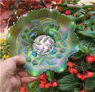NORTHWOOD GREEN CARNIVAL GLASS STRAWBERRY EIGHT RUFFLED BOWL