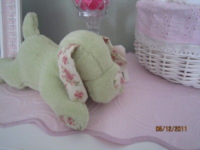 BNWT RACHEL ASHWELL SIMPLY SHABBY CHIC ROSE BLOOM PLUSH
