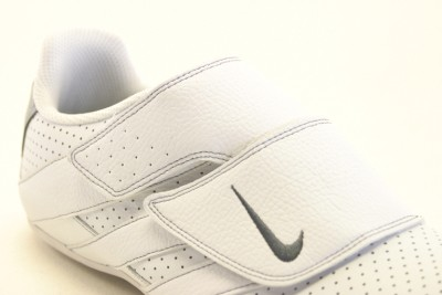 MENS NIKE ROUBAIX V WHITE VELCRO TRAINERS 105 7UK on PopScreen