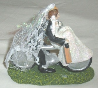 bicycle wedding cake topper uk amp and groom on a pedal bike bicycle novelty wedding 11736