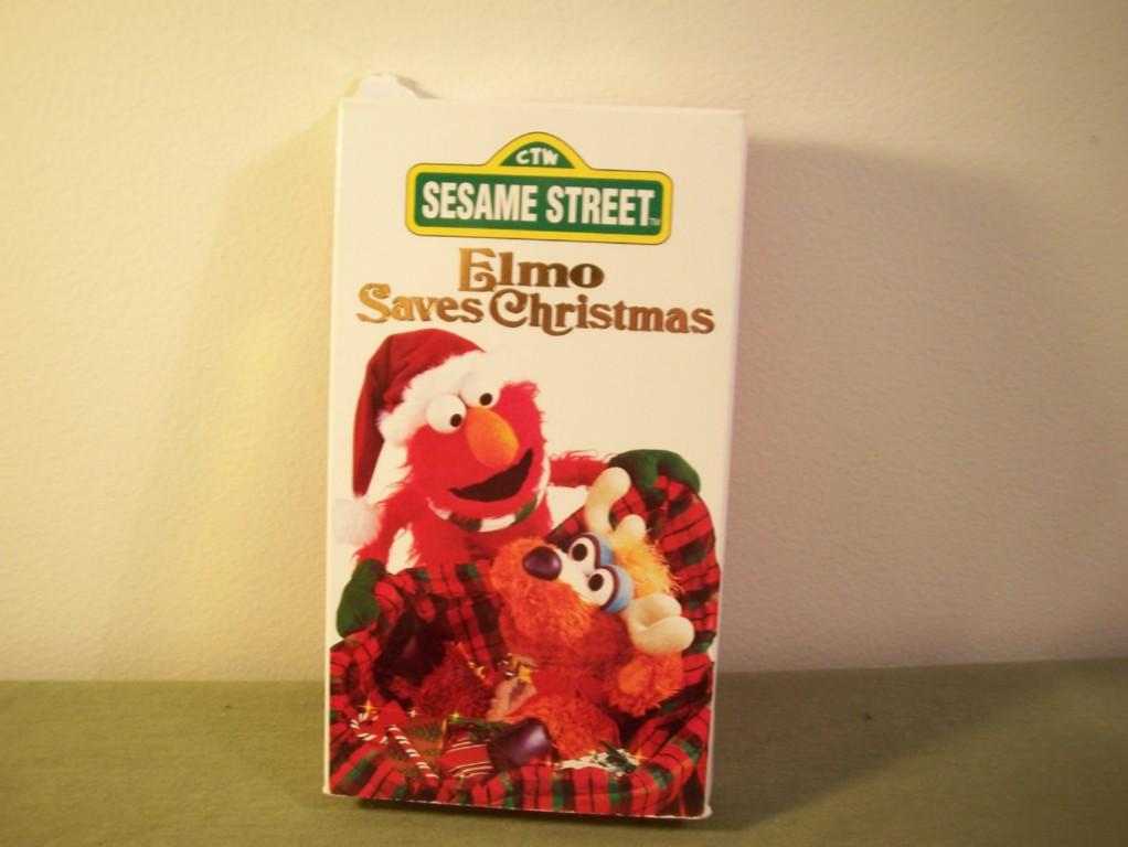 Elmo Saves Christmas.Sesame Street Elmo Saves Christmas Childrens Vhs Tape