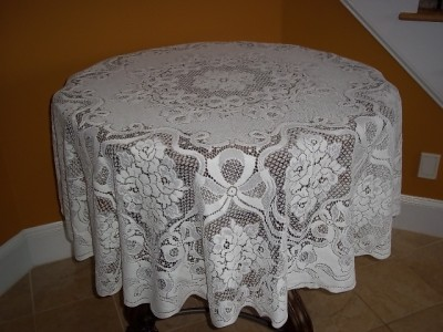 White Lace 70 Inch Round Tablecloth Table Cloth Rose Bow