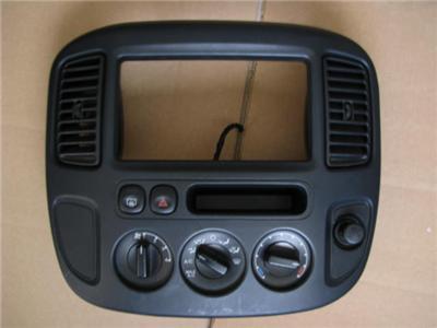 2001 Ford Escape Radio Climate Dash Bezel Air Vents 01