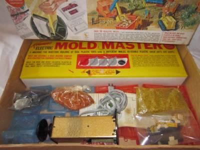 vintage 1963 kenner mold master road builder military pistols 1960 39 s toys. Black Bedroom Furniture Sets. Home Design Ideas