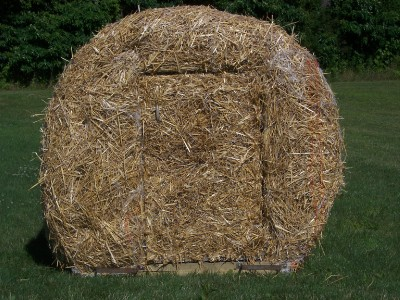 Round Bale Hunting Blind Two Man W Door Real Straw