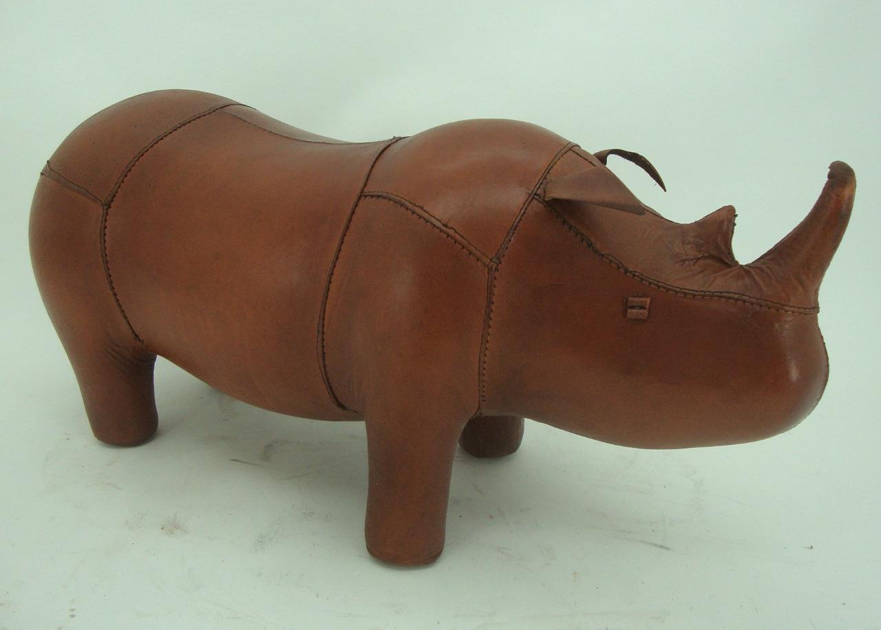 Hecho-a-Mano-Cuero-Genuino-Rhino-Taburete-Reposapies-28cm-X-56cm miniatura 2