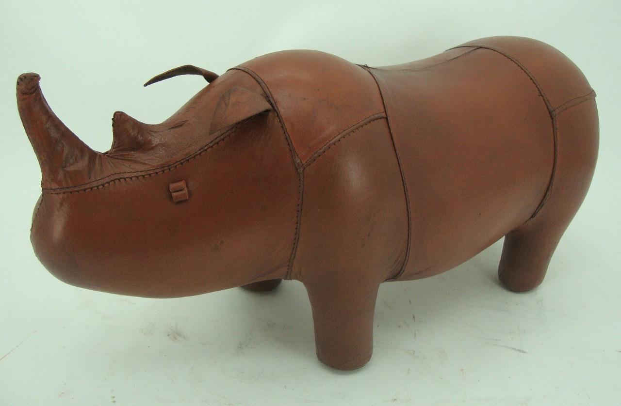 Hecho-a-Mano-Cuero-Genuino-Rhino-Taburete-Reposapies-28cm-X-56cm miniatura 3
