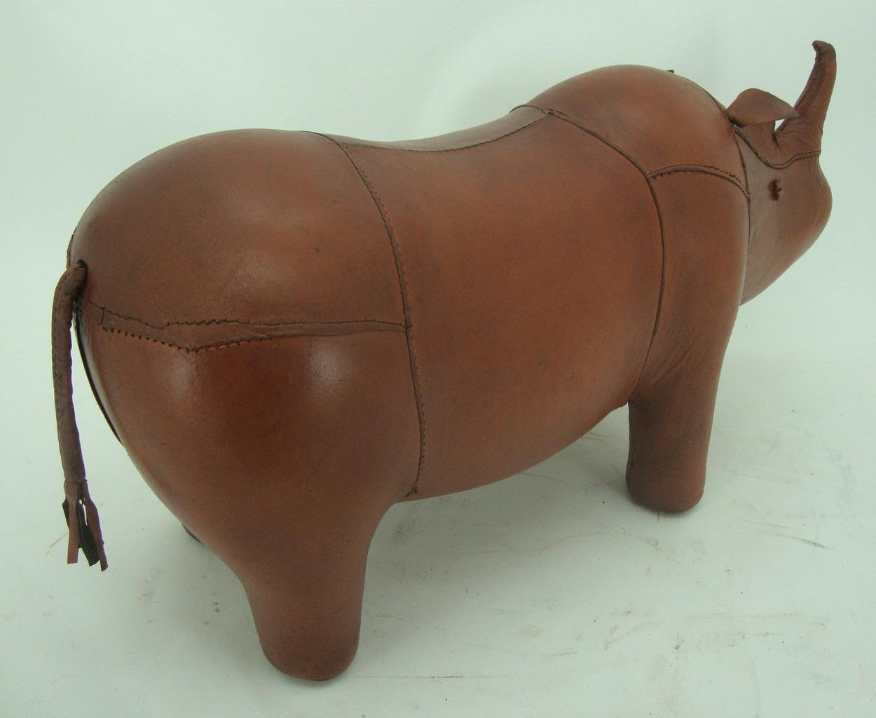 Hecho-a-Mano-Cuero-Genuino-Rhino-Taburete-Reposapies-28cm-X-56cm miniatura 6