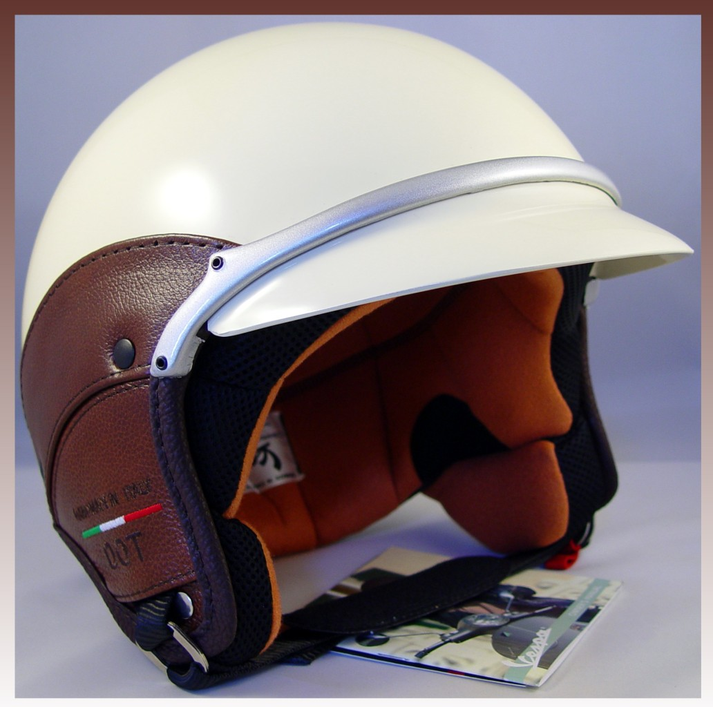 vespa piaggio scooter sienna ivory helmet vintage brown. Black Bedroom Furniture Sets. Home Design Ideas