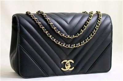 f3def3e543c1c1 CHANEL Black Calfskin Chevron Full Flap Shoulder Bag Lite GHW AUTHENTICATED!