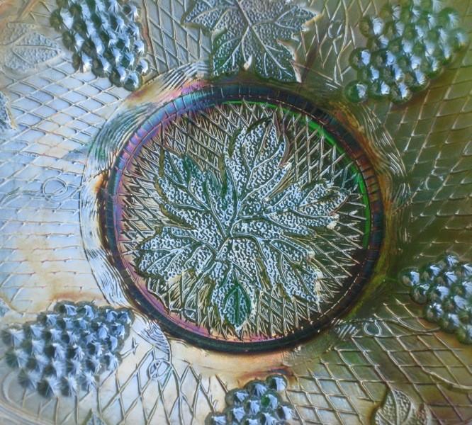 FENTON GREEN CONCORD GRAPE CARNIVAL GLASS BOWL