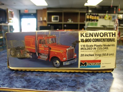 this Monogram Kenworth W 900 Conventional 1/16 Scale Semi
