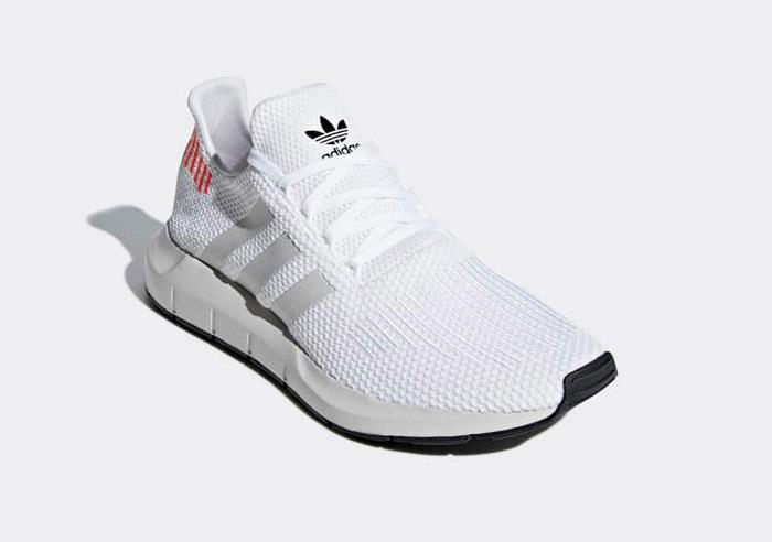 1807 Training adidas SWIFT RUN Men's Training 1807 Running Shoes B37731 995e81