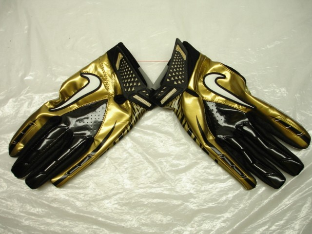 White And Gold  White And Gold Nike Football Gloves c7f403bf0