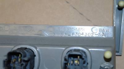 99 00 01 02 03 04 Ford Mustang GT Cobra Radio Console Center Dash Vent Bezel