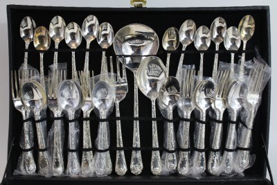 52 Piece Wm Rogers And Sons Rose Silverware Set Ebay
