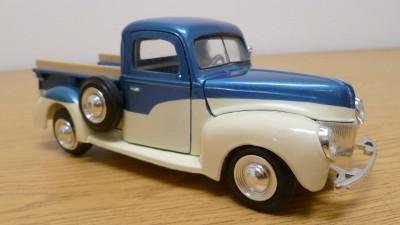 1940 Ford Pickup Truck American Graffiti Diecast Model