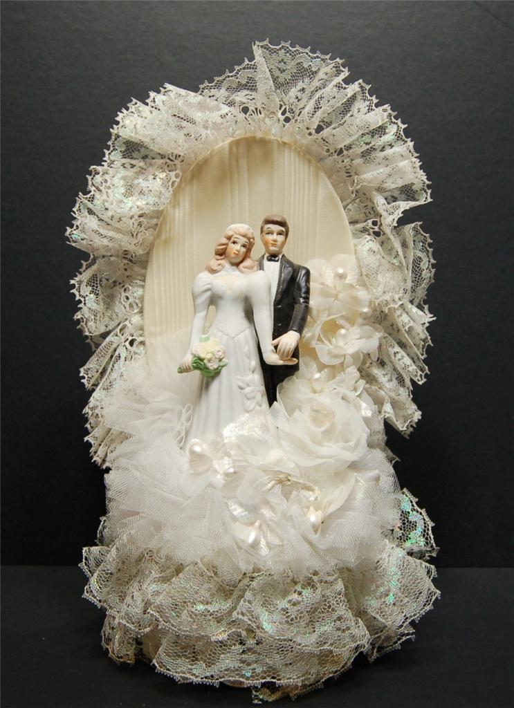 wedding cake topper vintage bride groom porcelain figures 12 tall 1970 39 s lace ebay. Black Bedroom Furniture Sets. Home Design Ideas