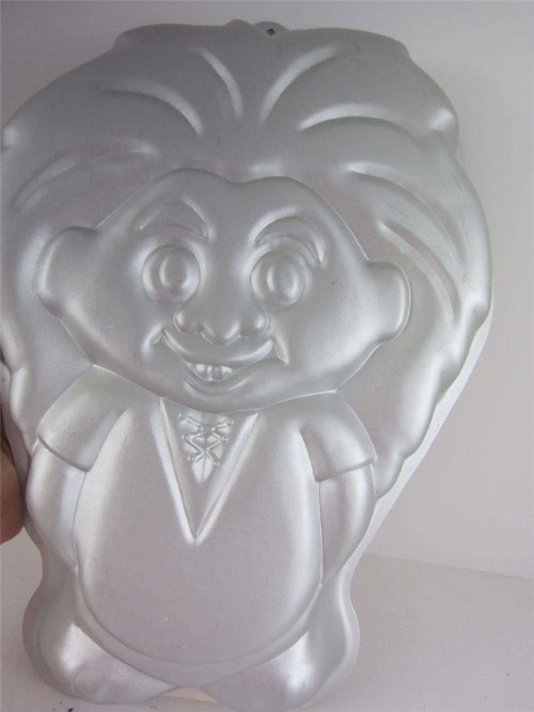 Character Cake Pans Wilton Elmo Cake Pan
