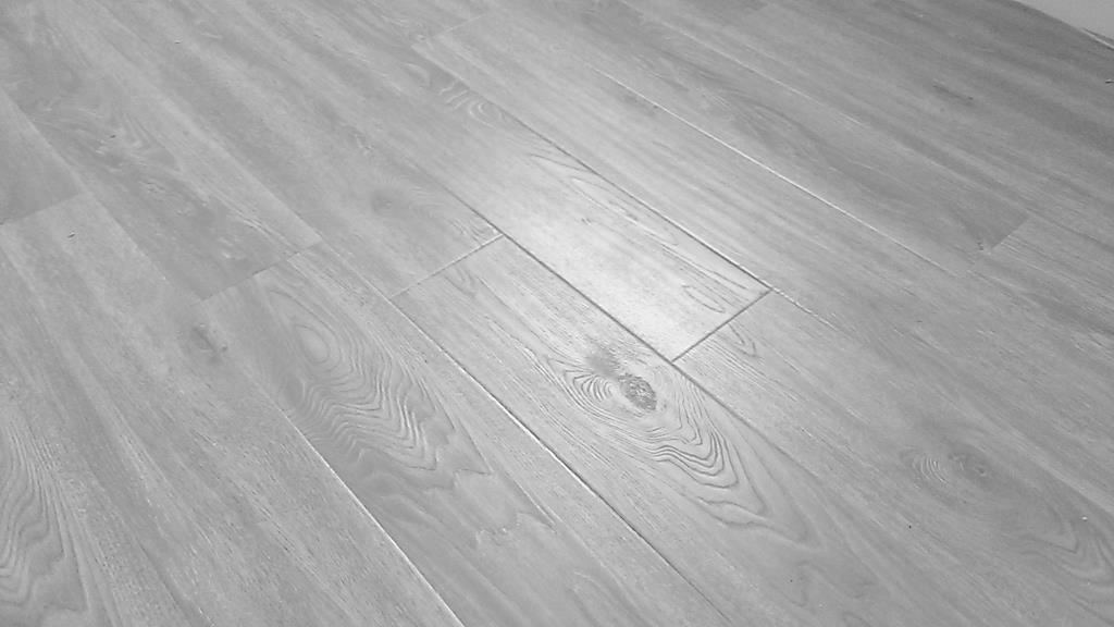 Distressed Eir Laminate Flooring