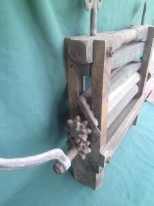 Antique Belknap Hardware Blue Grass 321 Clothes Wringer