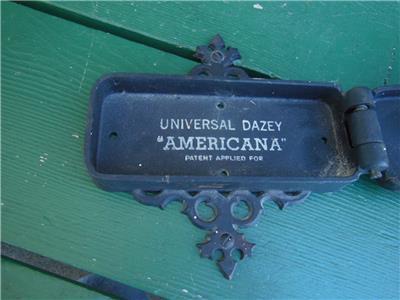 Vintage Universal Dazey Wall Mounted Americana Cast Iron