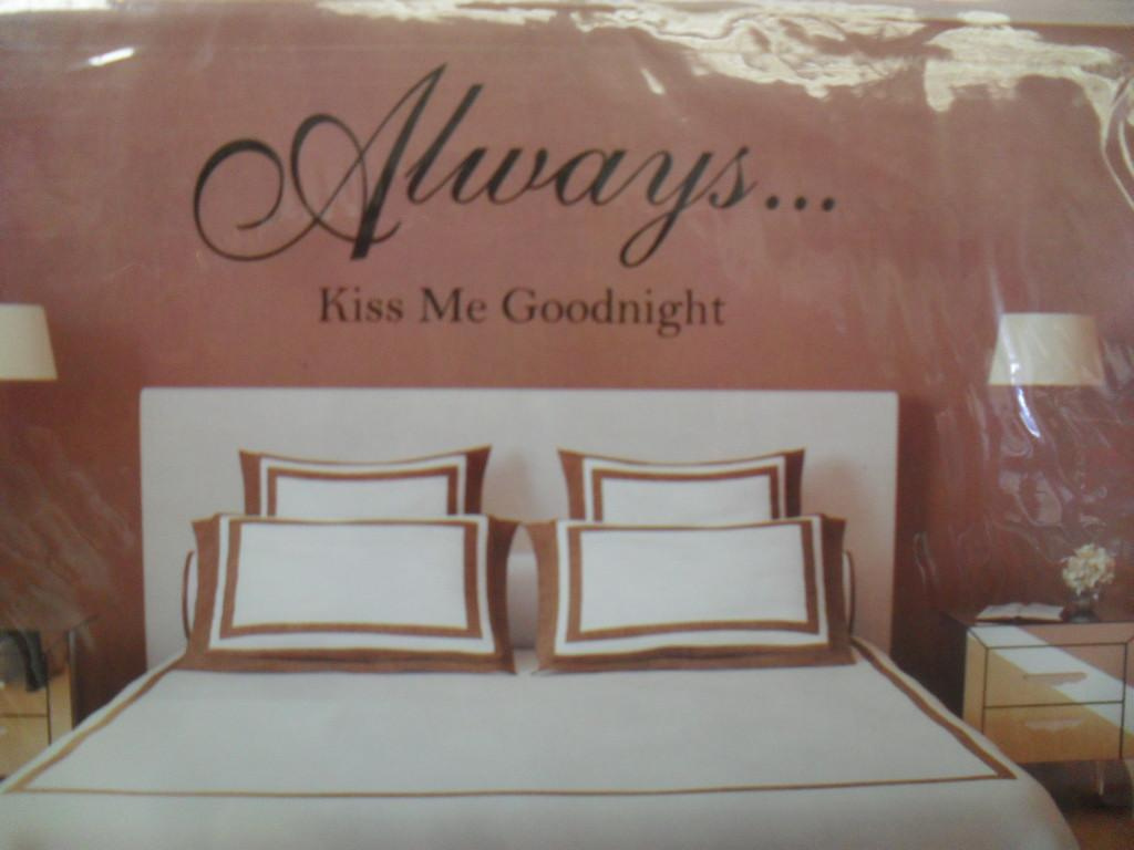 BNIP Bedroom Wall Sticker Vinyl Quotes Sweet Dreams Or
