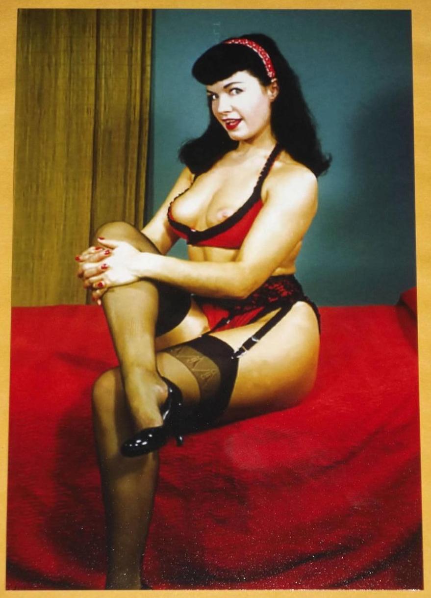 Sexy Vintage Women Nude 108