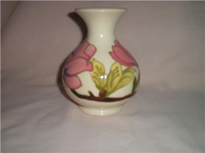 Moorcroft Magnolia Design Vintage Vase Ebay