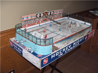 game hockey Vintage table