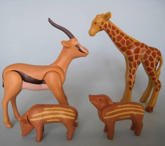Playmobil Baby Giraffe Antelope And 2 Wild Boars