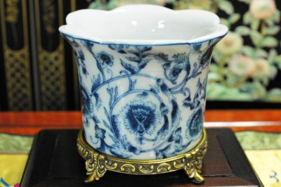Chinese Blue And White Porcelain Planter Pot Antiqued
