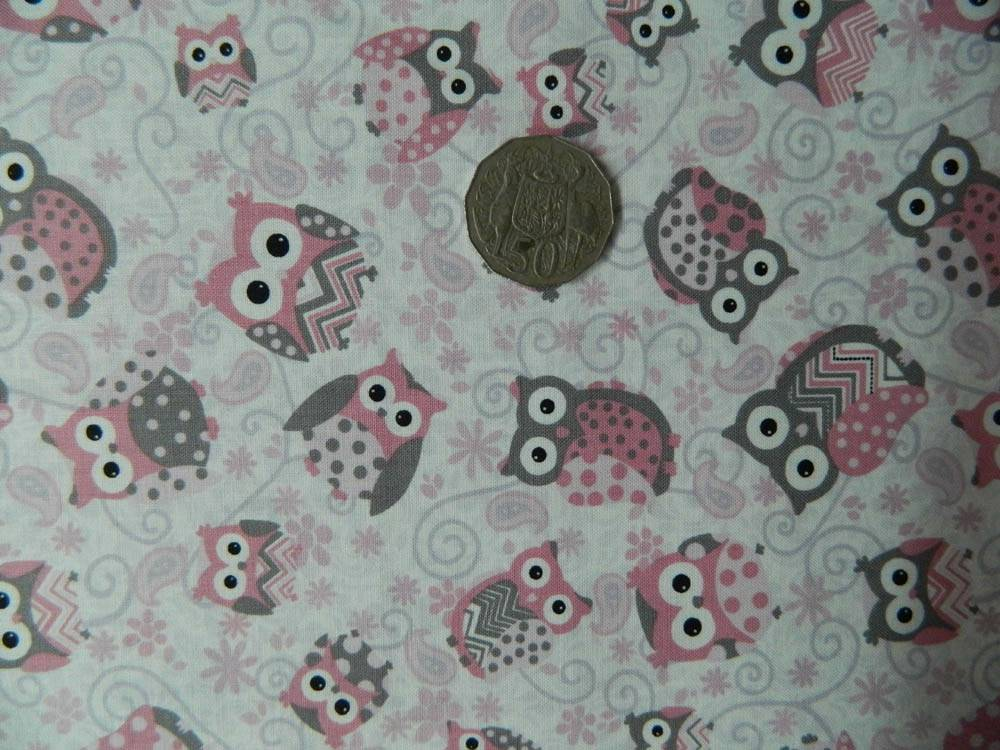 COUNTRY QUILTING FABRIC Cute Pink Owls Allover Fat Quarter ...