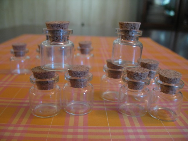 50 4ml bitty bottles small glass jars with cork lids bottle with cork stopper ebay. Black Bedroom Furniture Sets. Home Design Ideas