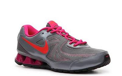 new concept 4f8ac 6e594 New Nike REAX Run 7 Women s Running Shoes Size 8 5 525755 066 Grey Pink  80