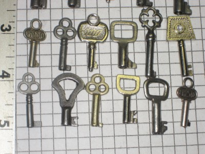 24 Antique Old Ornate Small Jewelry Box Lock Keys