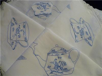 Hand Embroidered Tablecloth Blue Willow With Pockets For