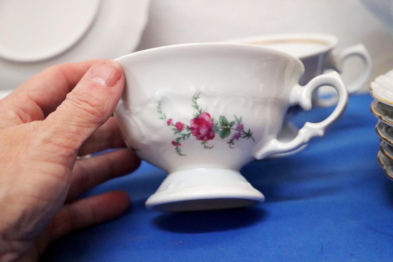 Vintage-Wawel-Enchanted-Rose-Garden-Cream-Soup-Salad-Bowl-Made-in-Poland-China thumbnail 4