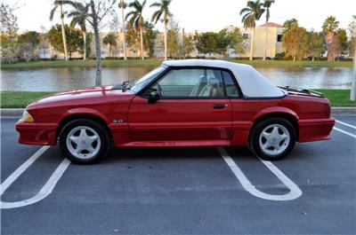 1992 Ford Mustang GT 5.0 Convertible: 1992 Ford Mustang GT 5.0 Convertible 5-Spd**EXTRA CLEAN** CLEAN CARFAX**