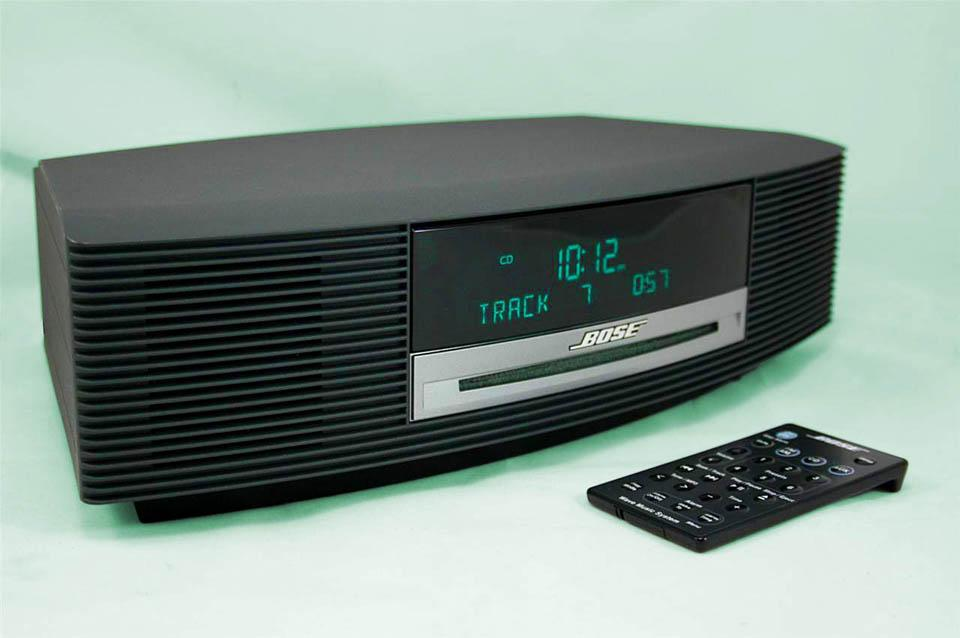 nice bose wave radio am fm iphone ipod cd player alarm. Black Bedroom Furniture Sets. Home Design Ideas