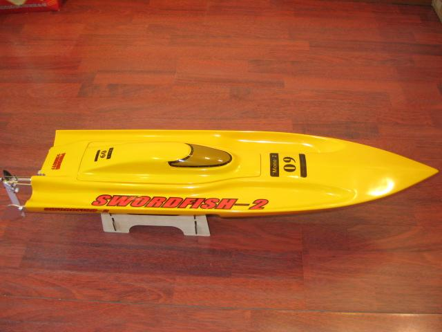 31 inches Thunder EP Fibreglass Mono 2 ARTR Racing Boat