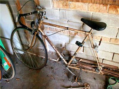 raleigh repair vintage bicycle