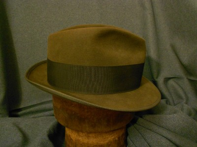 d4ae1810d44b0 Vintage The Eagle by Stetson Royal DeLuxe Fedora Hat with Pin