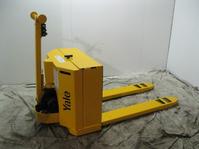 Yale 4000 Lb. Electric Pallet Jack 24 Volt with Charger ...