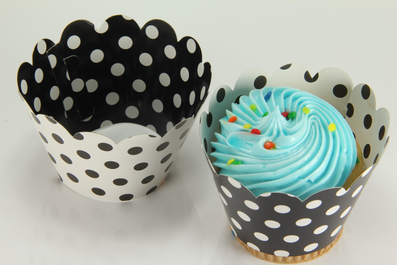12x Reversible Cupcake Wrappers Wrap Liners Minnie Mousse Black White Polka Dot