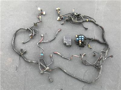 1985 nissan 300zx z31 oem engine bay fuse box wire harness mt