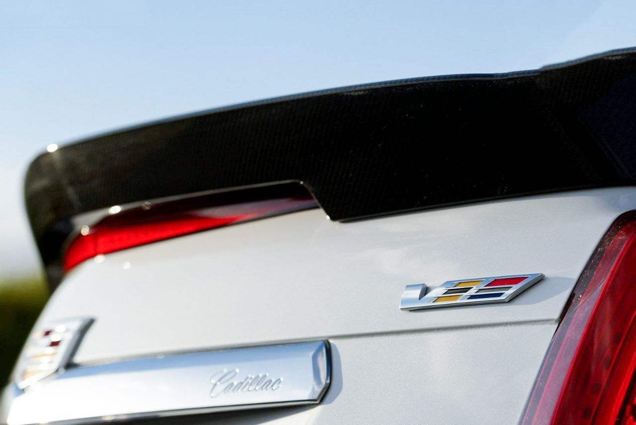 2pcs Metal V Sport Logo Emblem Fit for Cadillac CTS SRX STS ATS XLR SLS Badge