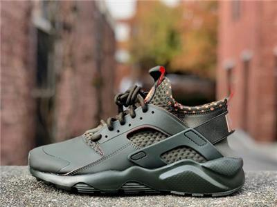 finest selection f5a86 f48a3 ... while a pull tab on the ankle and tongue provides an easy on and off.  The elastic strap and rubber cage on the heel provides the classic Huarache  look.