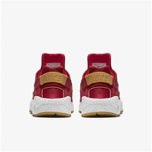 ced79bd06e700 ... of the foot and ankle. The shoe was such a hit that it soon found its  way to basketball courts and subsequently the streets